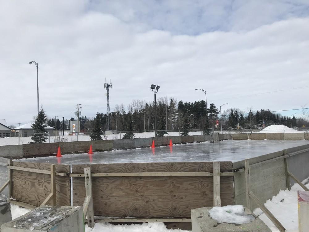 La patinoire de l'école – par Mathys et Isaac