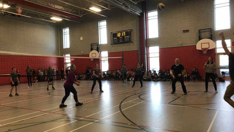 Match de Volleyball – Par Zachary Maltais